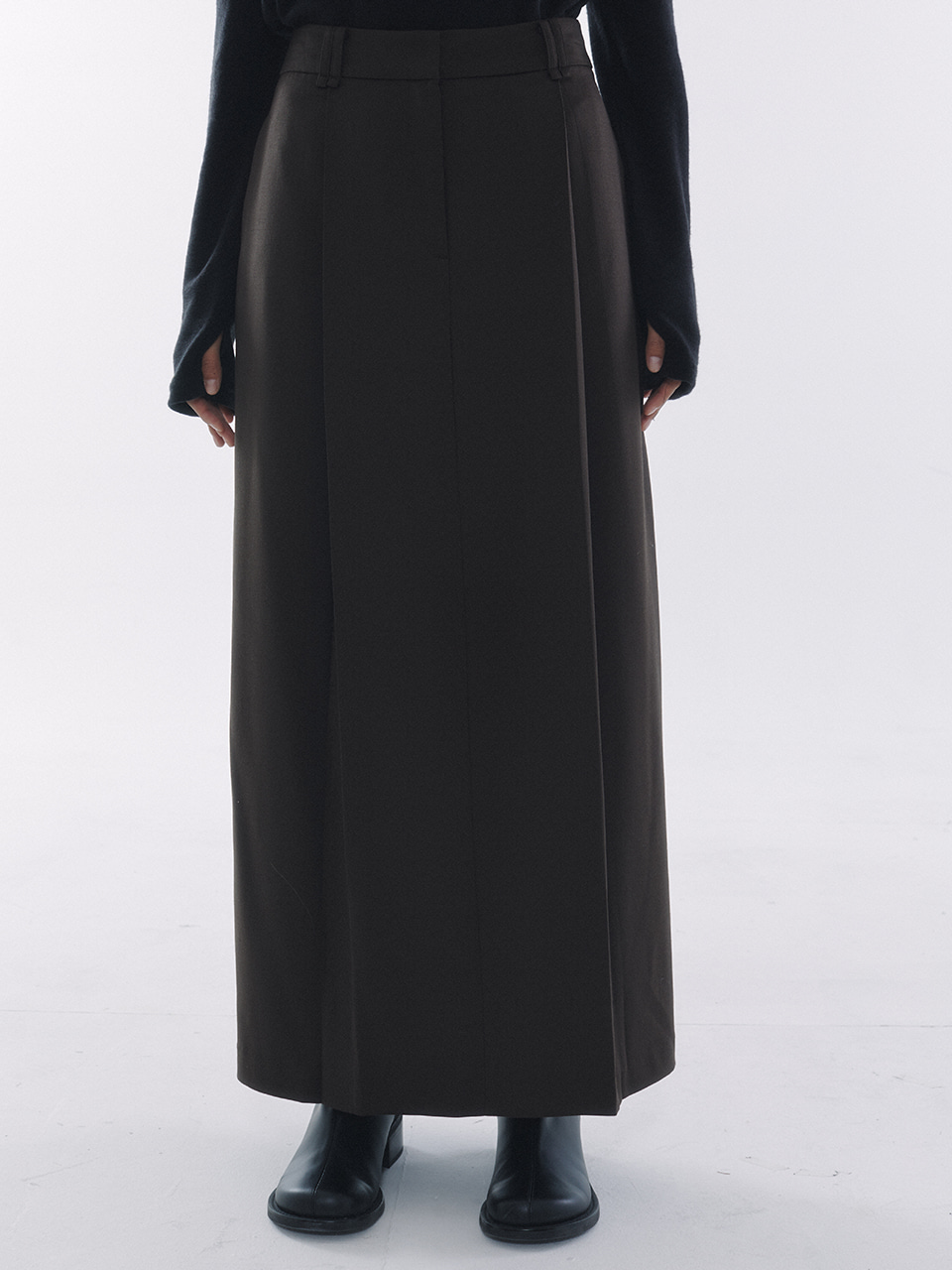 Tuck Pleats Long Skirt Brown