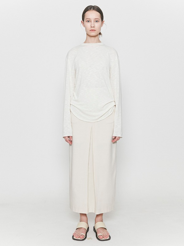 Inverted Pleats Long Skirt Ivory