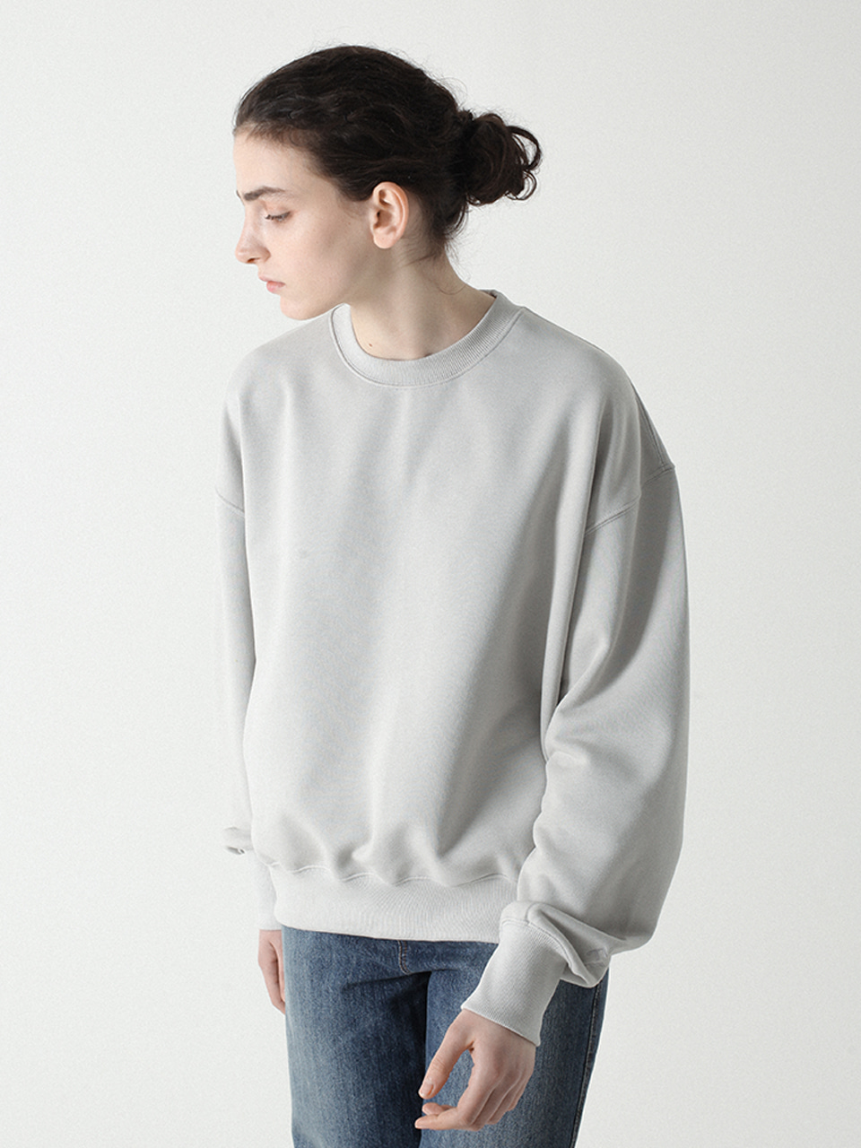 Feminine Cutting Crewneck Light grey